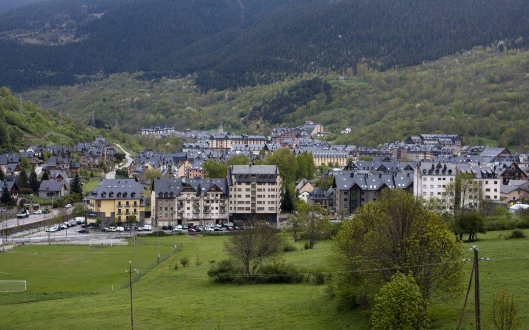 Val d'Aran: el valle en la ladera norte de los Pirineos